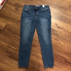 Just Fab Ankle Jeans